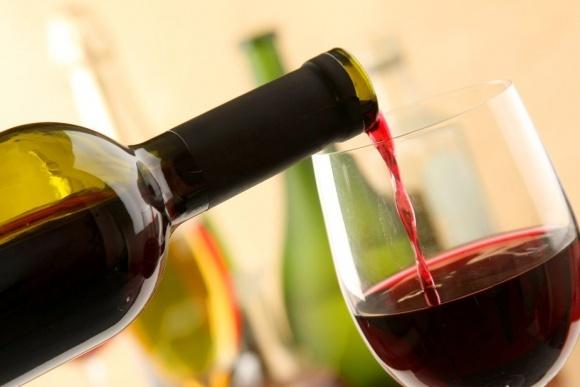 Україна має високий потенціал для виробництва високоякісних червоних вин фото, ілюстрація