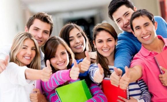 Студентів мотивуватимуть вчитися на контролерів якості продукції фото, ілюстрація