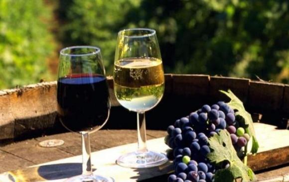 Росіян змусили прибрати кримські вина на виставці в Італії фото, ілюстрація