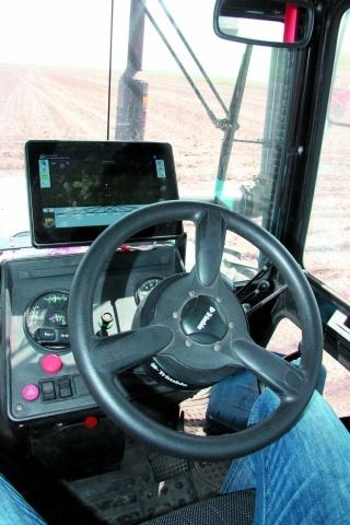 Cистема параллельного вождения и навигации от Trimble